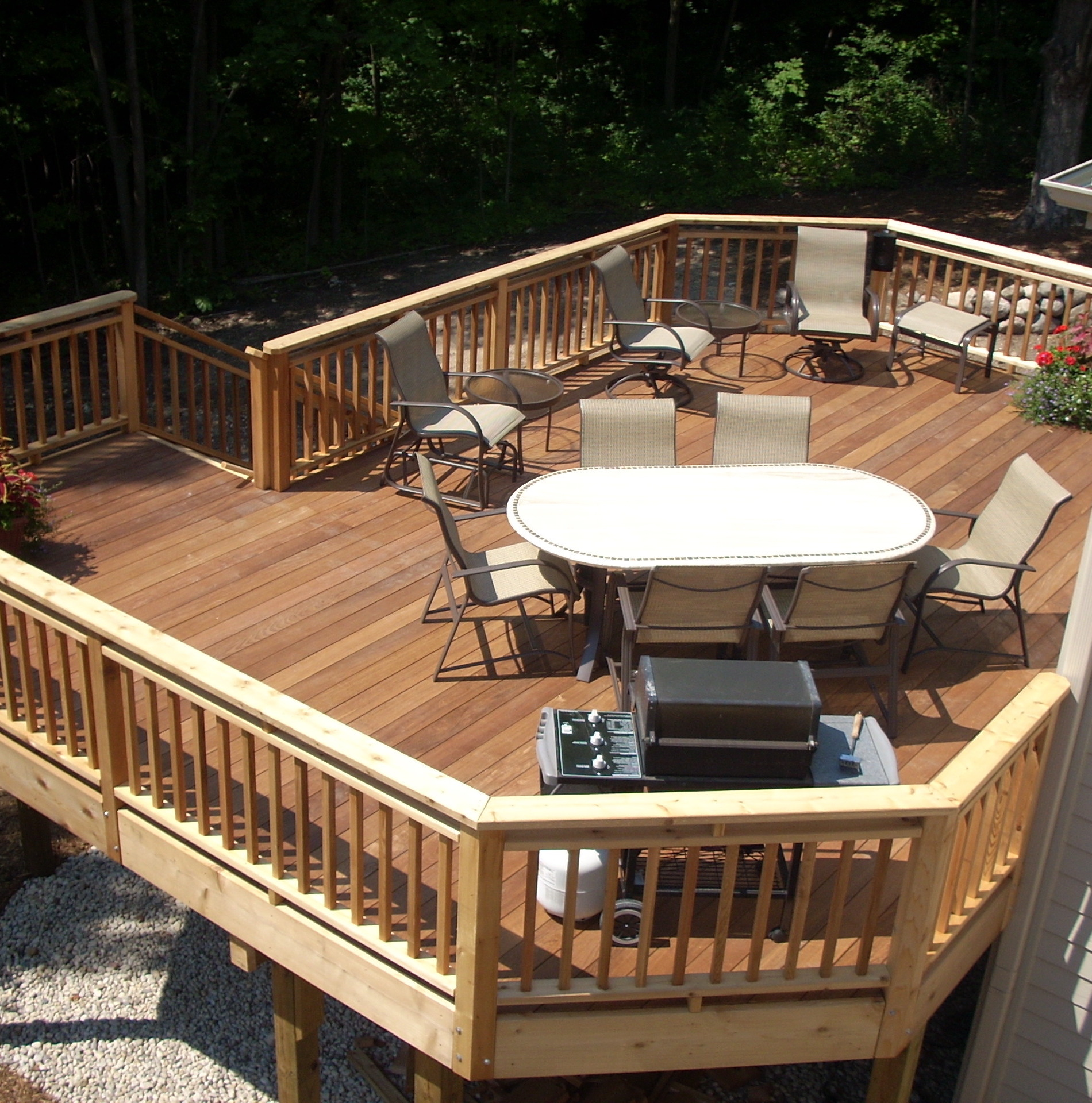 Second-story-deck